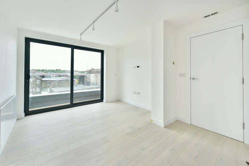 2 Bedrooms Flat for sale in Coldharbour Lane, SW9 8SA
