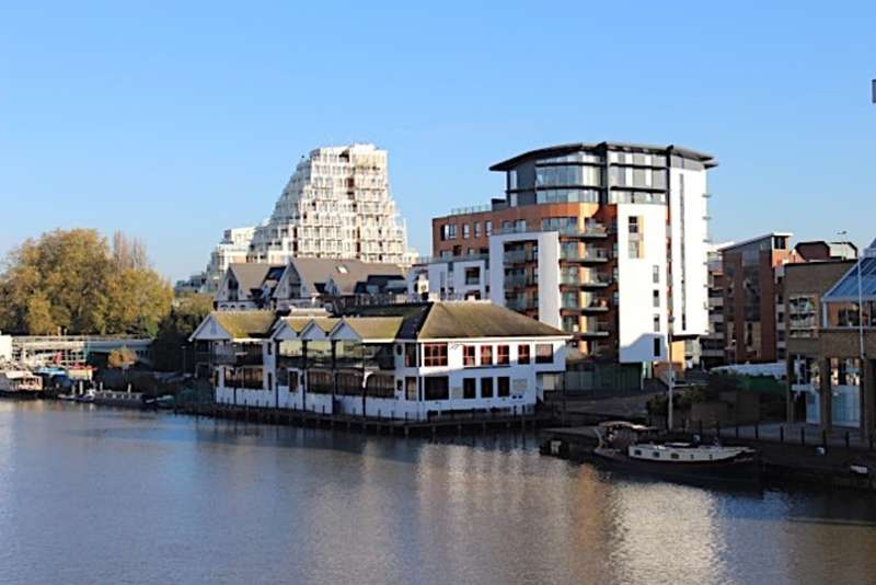 2 Bedrooms Flat for sale in Water Lane, Kingston Upon Thames