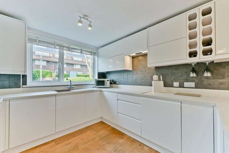 3 Bedrooms End Of Terrace House for sale in Prospect Close, London SE26
