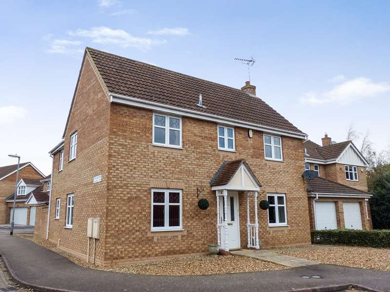 4 Bedrooms Detached House for sale in Ford Close, Yaxley, Peterborough, PE7 3DT