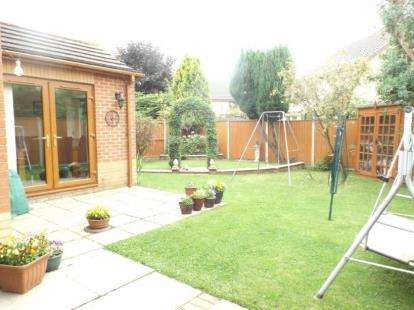 3 Bedrooms Detached House for sale in Wymondham, Norwich, Norfolk