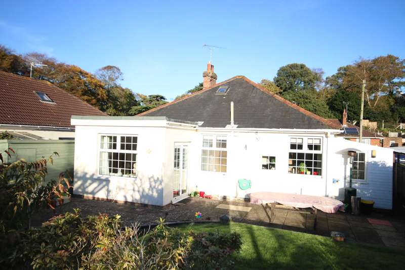 3 Bedrooms Detached Bungalow for sale in BH10 Bournemouth