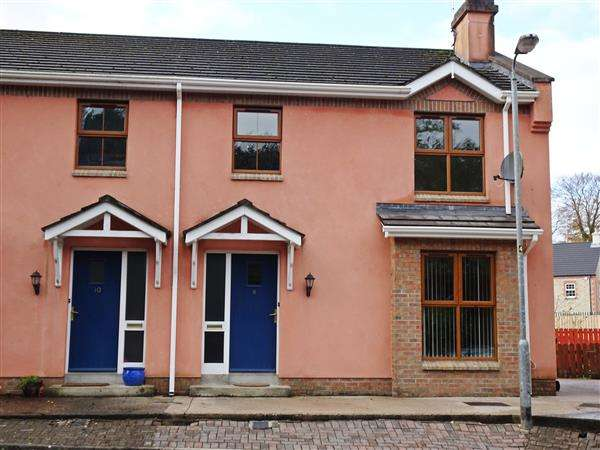 Semi Detached House for sale in 9 Kinarla Court