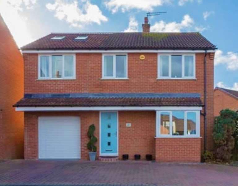 4 Bedrooms Detached House for sale in Arundel Drive, Retford, Nottinghamshire, DN22
