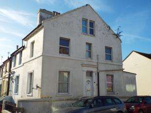 2 Bedrooms Flat for sale in Harvey Street, Folkestone, Kent
