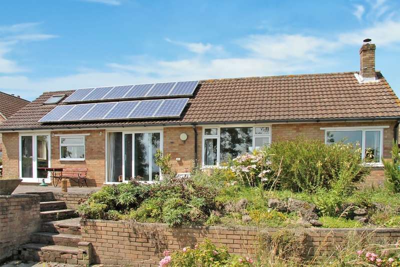 4 Bedrooms Bungalow for sale in Shirrell Heath, Hampshire