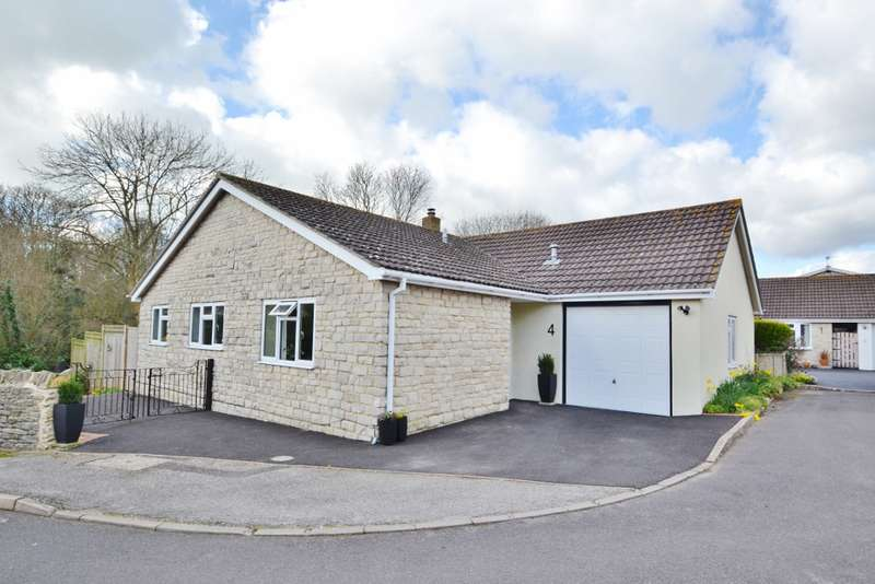 3 Bedrooms Bungalow for sale in North Swanage