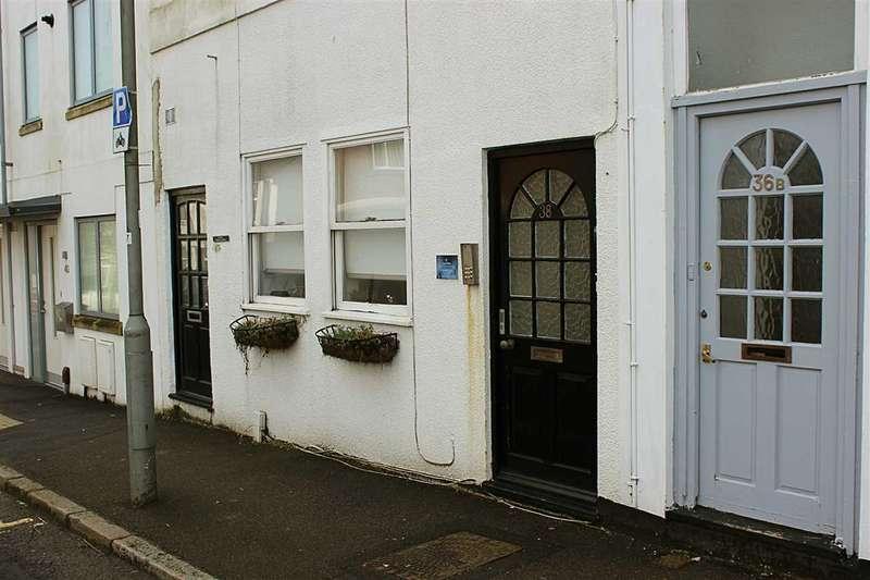 1 Bedroom Apartment Flat for rent in Bristol Gardens, Kemp Town, Brighton