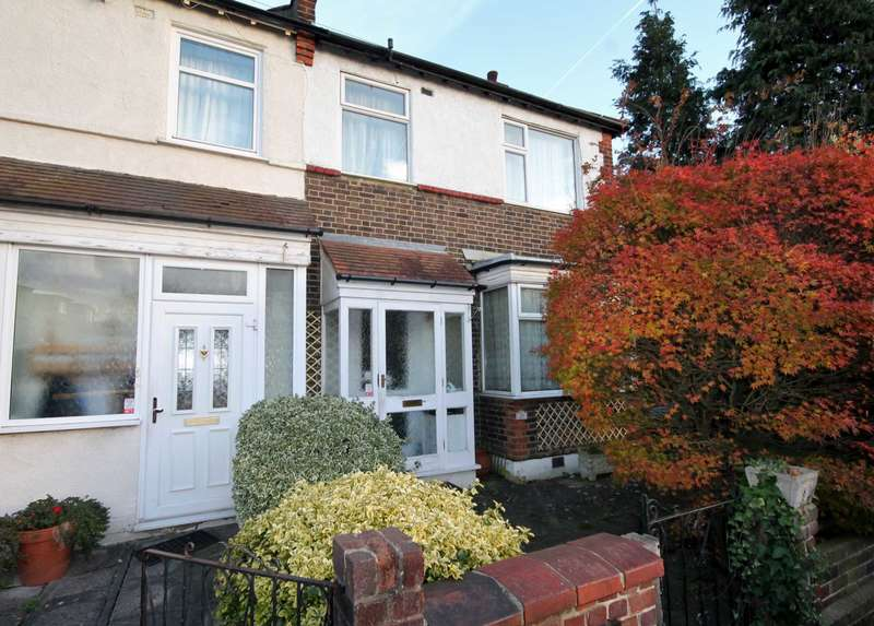 3 Bedrooms Semi Detached House for sale in Melrose Gardens, New Malden