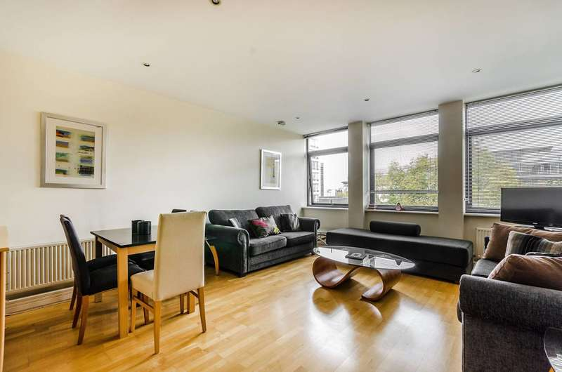 2 Bedrooms Flat for sale in Red Lion Square, Holborn, WC1R