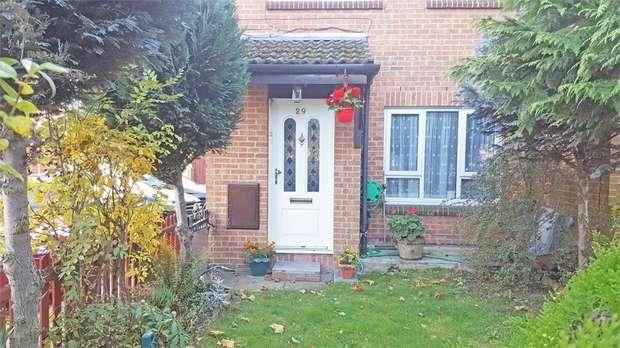 3 Bedrooms Semi Detached House for sale in Haldane Road, London