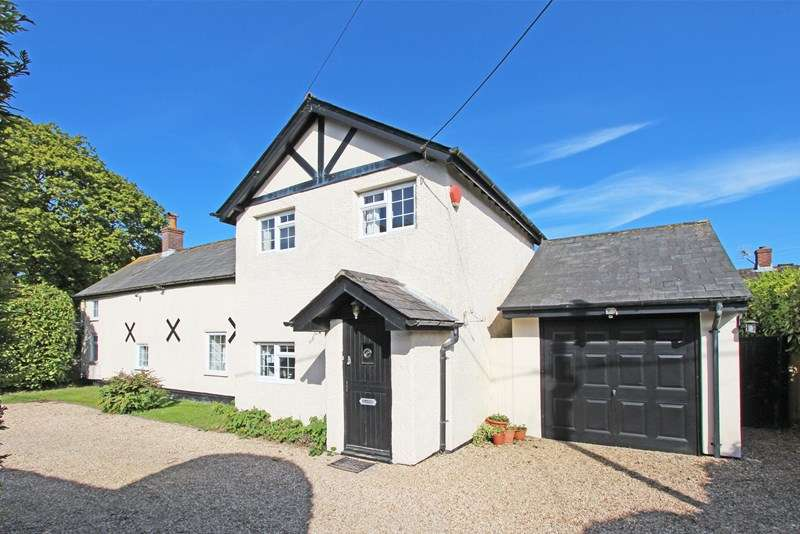 4 Bedrooms Detached House for sale in Bashley Common Road, New Milton