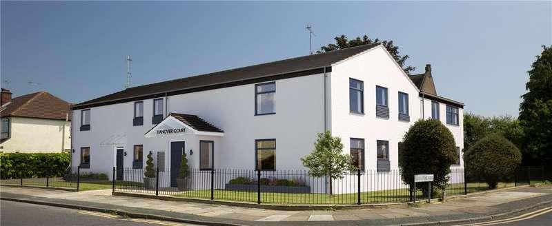 1 Bedroom Apartment Flat for sale in Torrington Road, Ruislip Manor, Middlesex, HA4