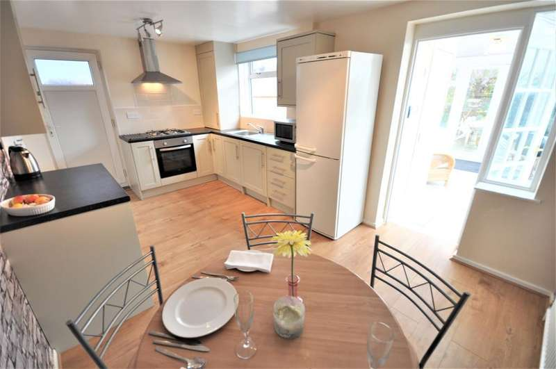 3 Bedrooms Semi Detached House for sale in Blenheim Drive, Warton, Preston, Lancashire, PR4 1DH