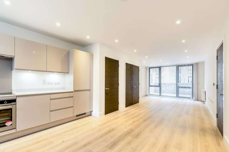 2 Bedrooms Flat for sale in New Village Avenue, Canary Wharf, E14