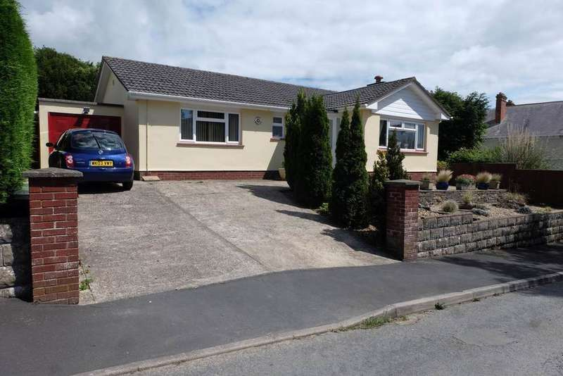 3 Bedrooms Detached Bungalow for sale in Highfield Close, Barnstaple