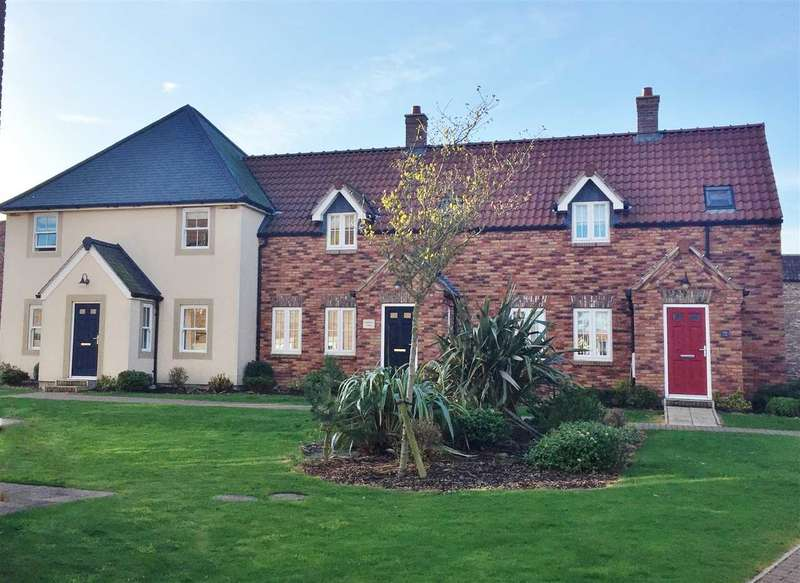 2 Bedrooms House for sale in Cooks Walk, The Bay, Filey