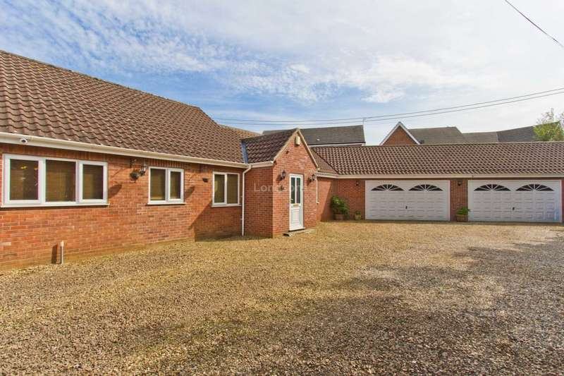 4 Bedrooms Semi Detached Bungalow for sale in Low Road, Swaffham