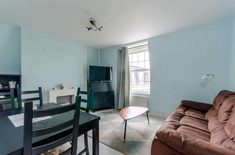 3 Bedrooms Flat for sale in Henry Jackson Road, West Putney, SW15