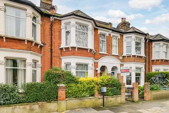 3 Bedrooms Terraced House for sale in Whitehall Park Road, Chiswick