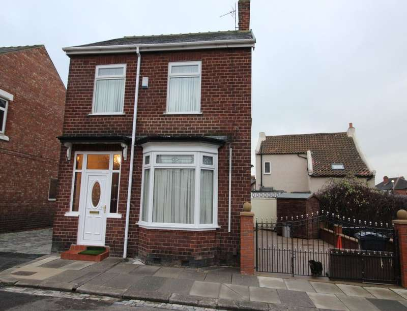 3 Bedrooms Detached House for sale in Aysgarth Road, Darlington, DL1