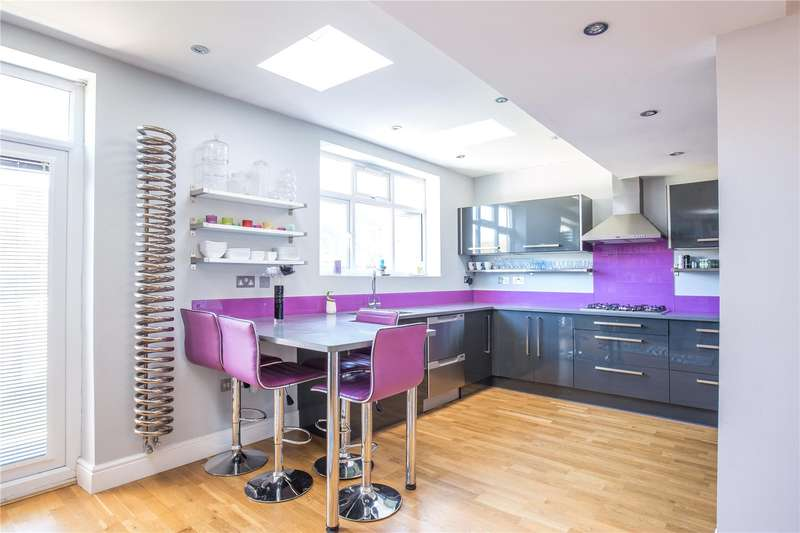 4 Bedrooms Semi Detached House for sale in Delamere Gardens, Mill Hill, London, NW7