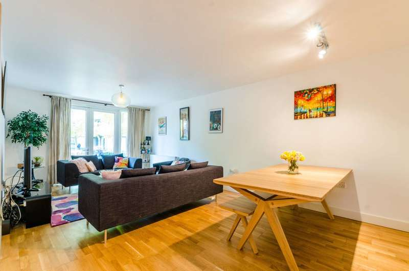 3 Bedrooms Flat for sale in Queensbridge Road, Shoreditch, E2