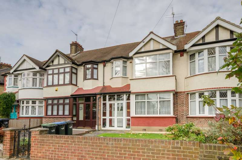 3 Bedrooms House for sale in Bury Street West, Bush Hill Park, N9
