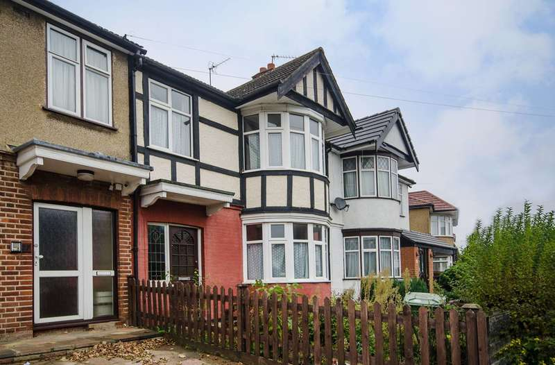 3 Bedrooms House for sale in Christchurch Gardens, Harrow, HA3
