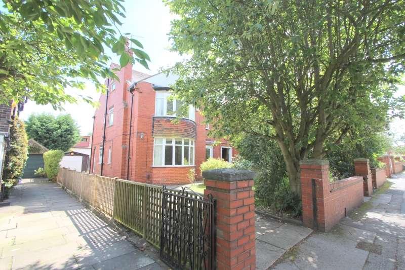 8 Bedrooms Semi Detached House for rent in Batcliffe Mount, Headingley, Leeds