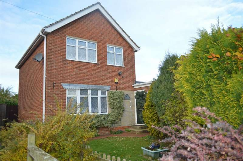 3 Bedrooms Detached House for sale in St Nicholas Drive, HORNSEA, East Riding of Yorkshire