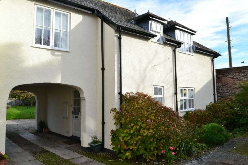 1 Bedroom Ground Flat for sale in GROVE HOUSE, FORE STREET, TOPSHAM, NR EXETER