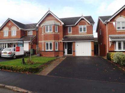 4 Bedrooms Detached House for sale in Saffron Close, Lowton, Warrington