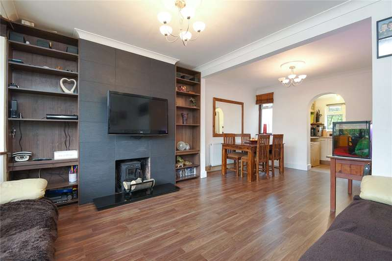 3 Bedrooms Terraced House for sale in Barnstaple Road, Ruislip, Middlesex, HA4