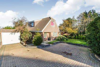 4 Bedrooms Bungalow for sale in Widley, Waterlooville, Hampshire