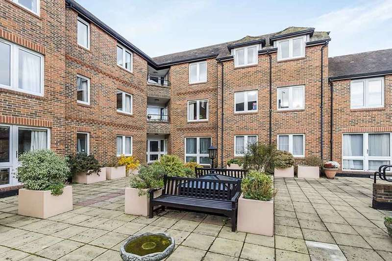 2 Bedrooms Flat for sale in St. Swithun Street, Winchester, SO23