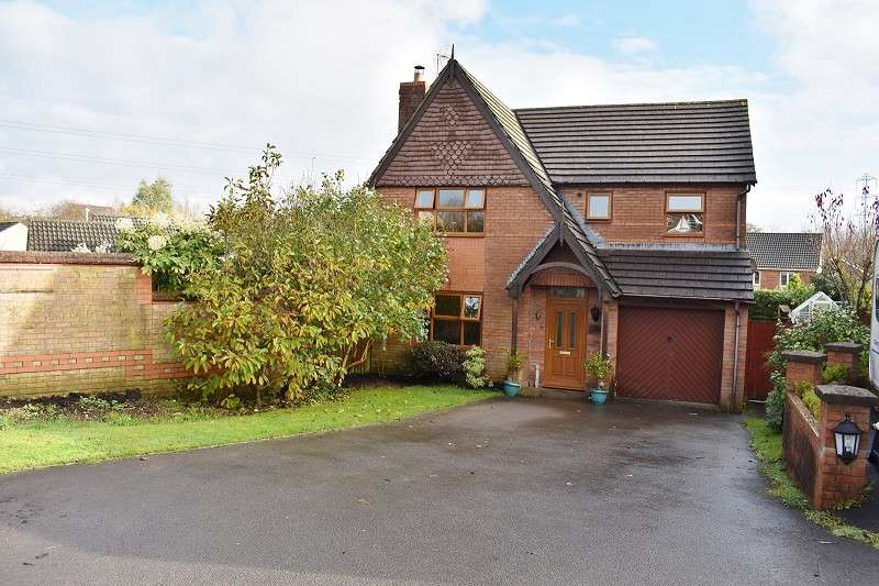 4 Bedrooms Detached House for sale in Bryn Melys , Broadlands, Bridgend. CF31 5DN