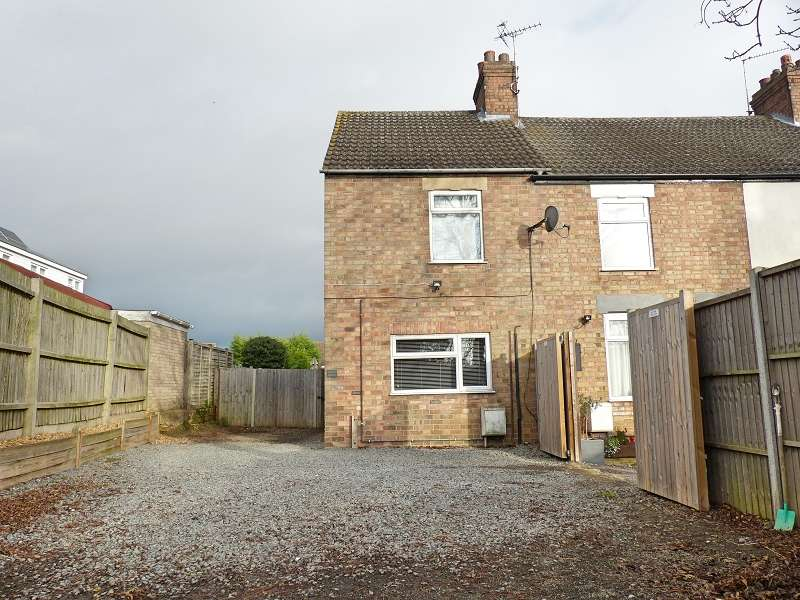 2 Bedrooms End Of Terrace House for sale in Main Street, Yaxley, Peterborough, Cambridgeshire. PE7 3LY