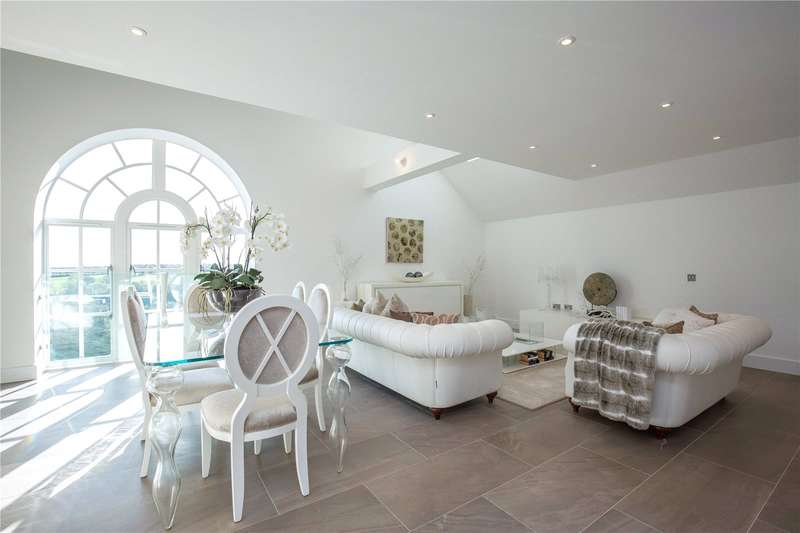 3 Bedrooms Apartment Flat for sale in Hadley Road, Enfield, Middlesex, EN2