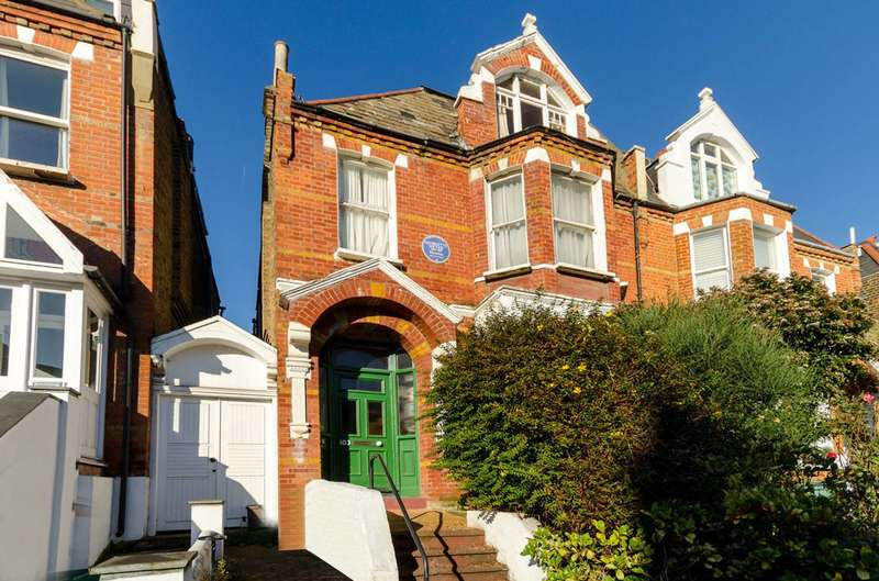 5 Bedrooms House for sale in Woodside, Wimbledon, SW19