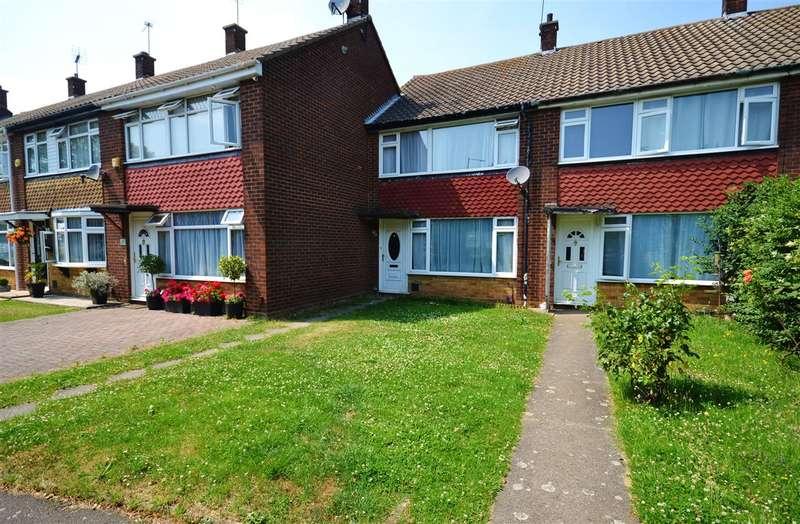 3 Bedrooms Terraced House for sale in Corringham Road, Corringham