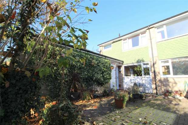 3 Bedrooms End Of Terrace House for sale in Hetherington Road, Charlton Village, Shepperton, Middlesex