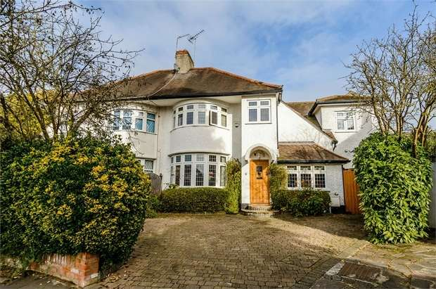 4 Bedrooms Semi Detached House for sale in Copthall Gardens, London