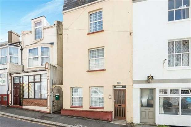 2 Bedrooms Ground Maisonette Flat for sale in Tower Road, St Leonards-on-Sea, East Sussex