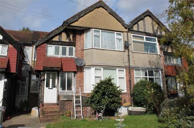 2 Bedrooms Flat for sale in Oak Tree Dell, London