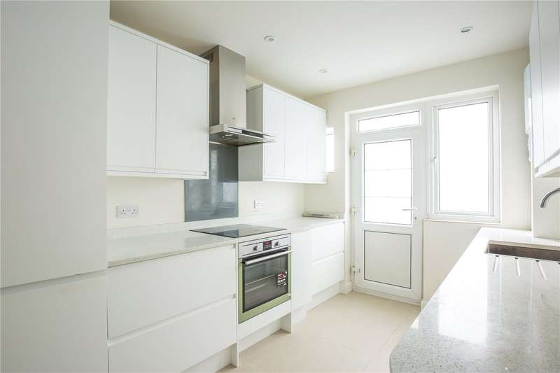 2 Bedrooms Maisonette Flat for sale in Dollis Court, Crescent Road, Finchley, London, N3