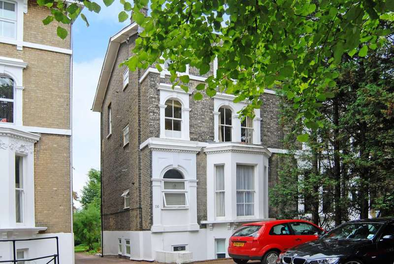 1 Bedroom Flat for sale in Shooters Hill Road, Blackheath, SE3