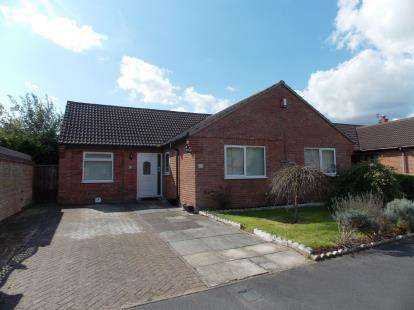4 Bedrooms Bungalow for sale in Caister-On-Sea, Great Yarmouth, Norfolk