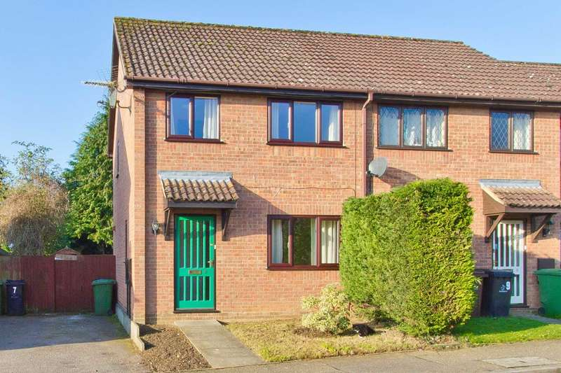 3 Bedrooms Semi Detached House for sale in Partridge Grove, Swaffham
