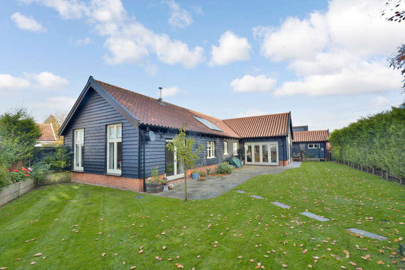 3 Bedrooms Detached Bungalow for sale in Linen Lane, North Lopham